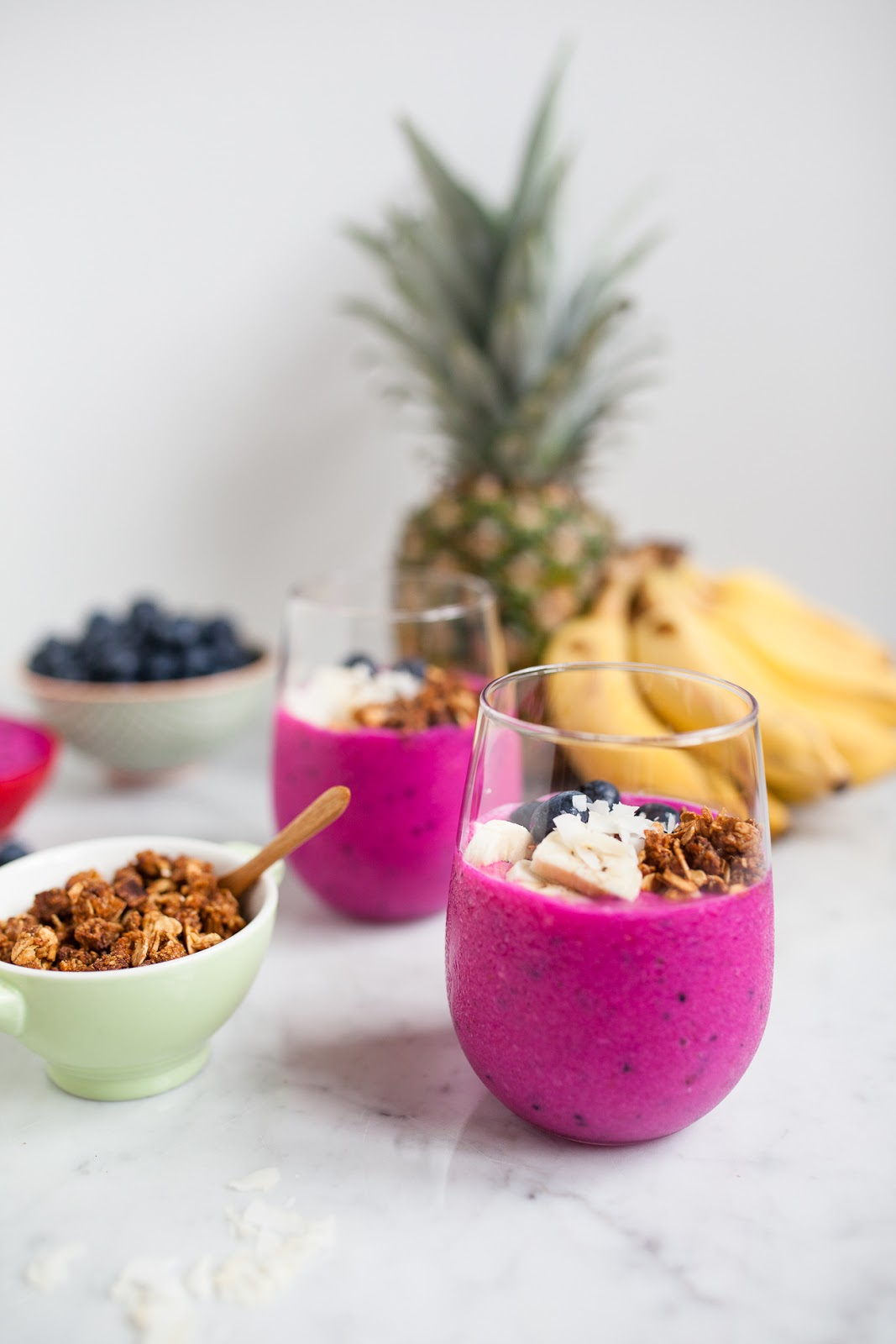Dragon fruit smoothie recipe via JChong Studio on Thou Swell | 8 Smoothies to Make in the New Year https://thouswell.com/8-smoothies-to-make-in-the-new-year