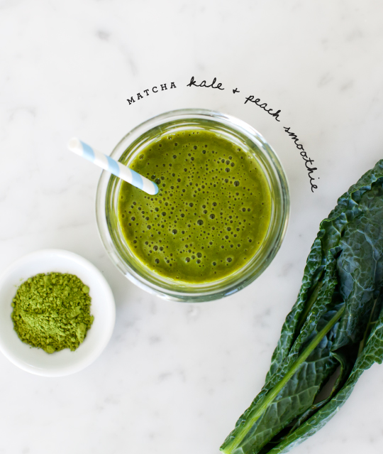 Matcha kale peach smoothie recipe via Love and Lemons on Thou Swell | 8 Smoothies to Make in the New Year https://thouswell.com/8-smoothies-to-make-in-the-new-year