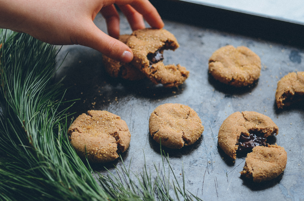 Dark Chocolate Snickerdoodles | Thou Swell x Common Comfort https://thouswell.com/dark-chocolate-snickerdoodle-recipe