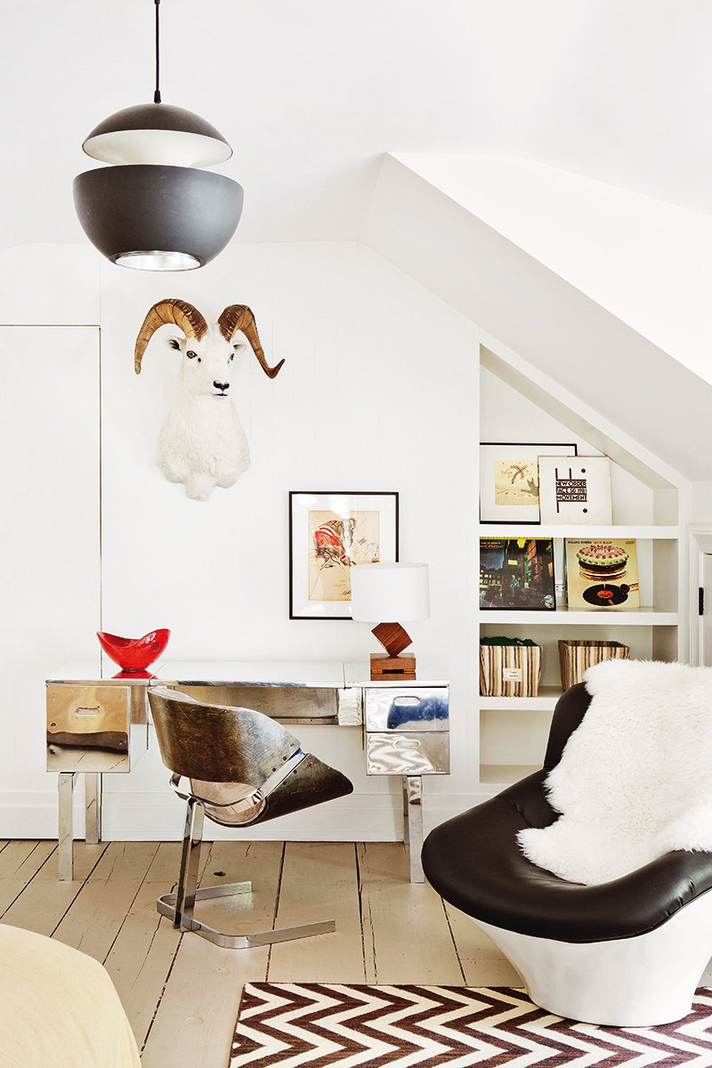 Bright, playful kids room with industrial chair in a modern farmhouse renovation via @thouswellblog