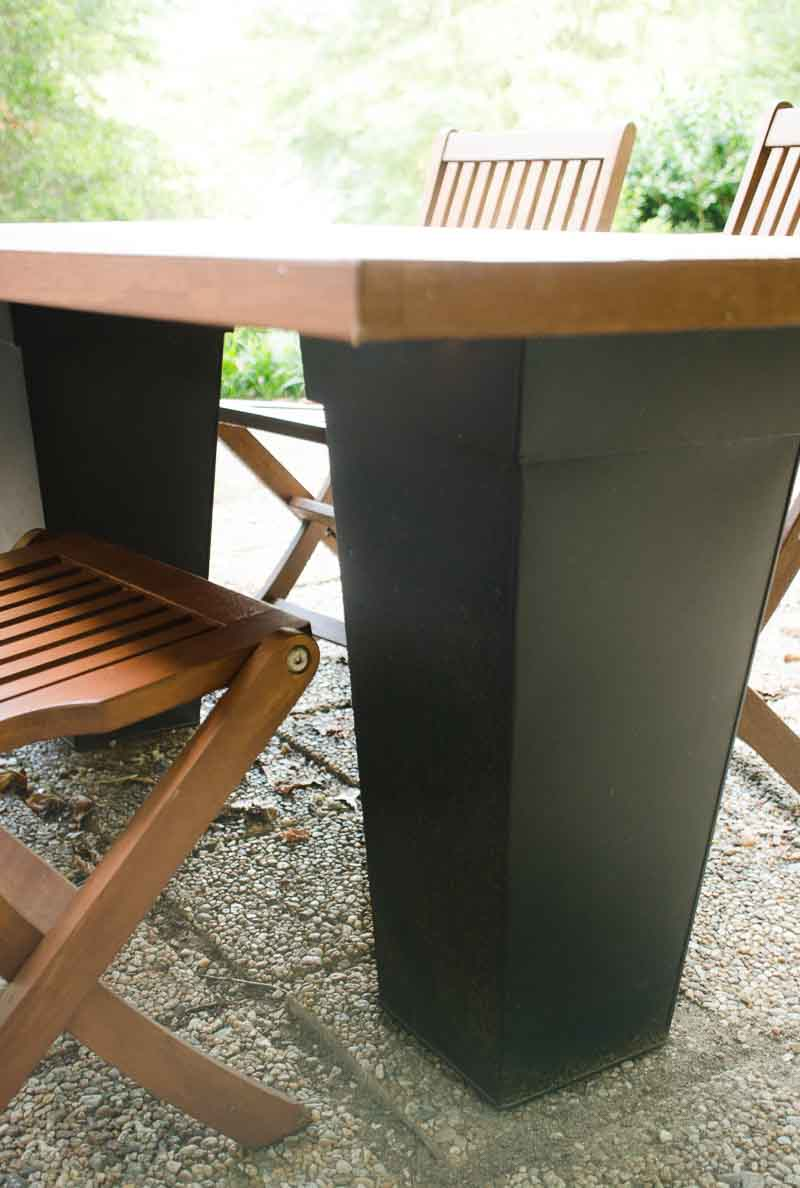 How to make an easy DIY dining table for indoors or outdoors.