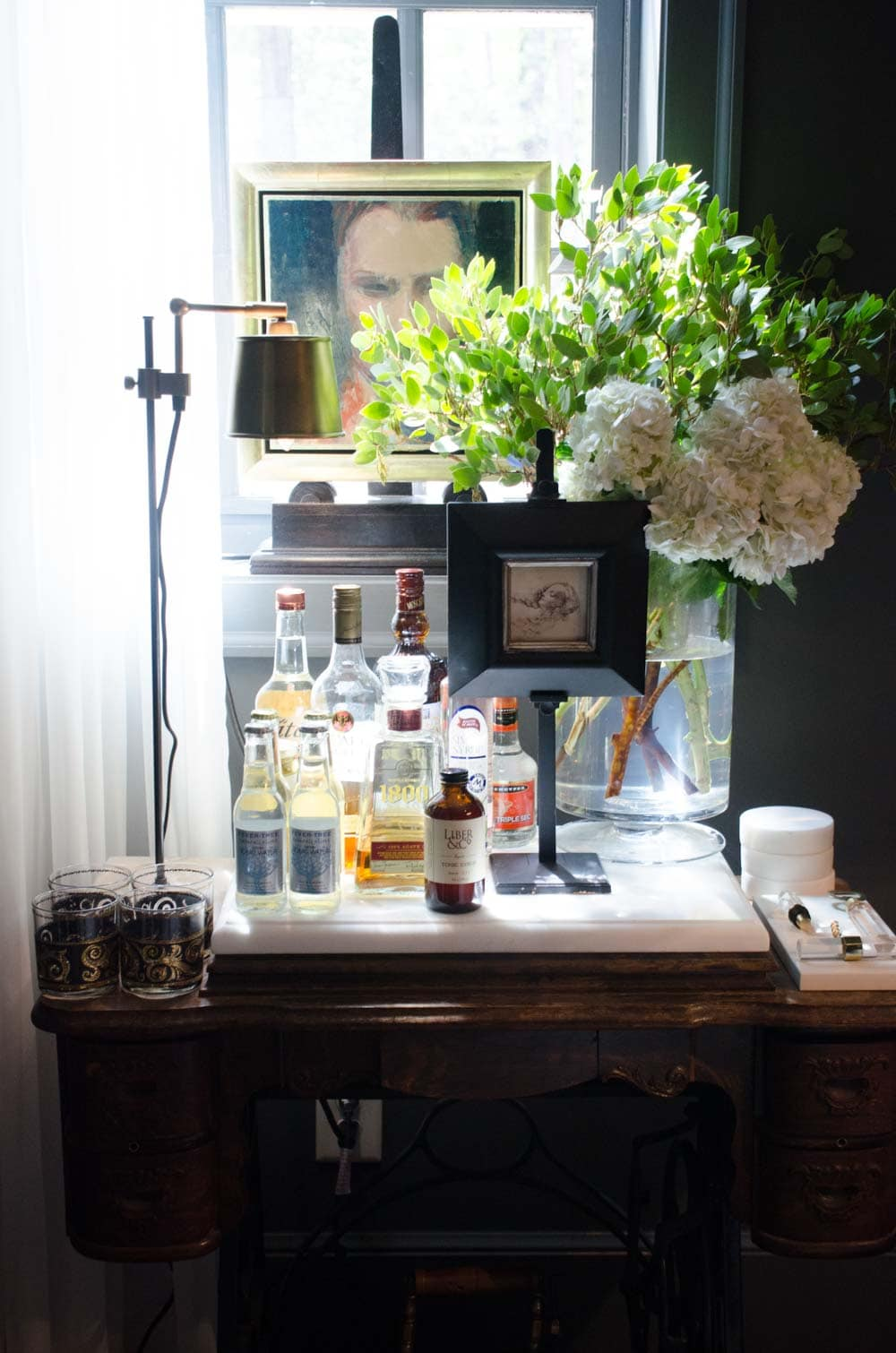 Dramatic study vignette with bar