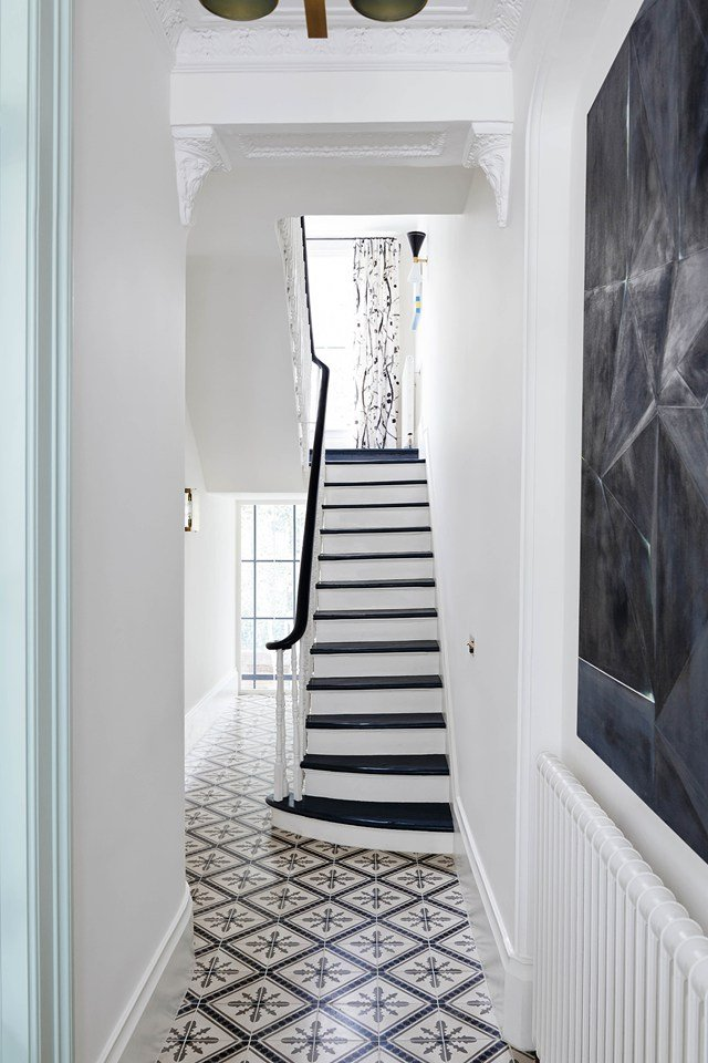 A modern London townhouse transformed with pattern on @thouswellblog