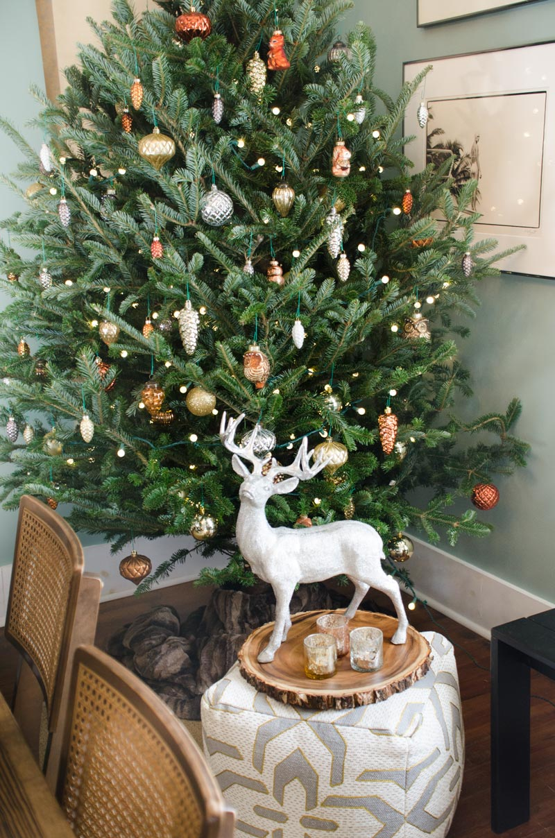 Woodland Christmas tree, holiday decor ideas on @thouswellblog