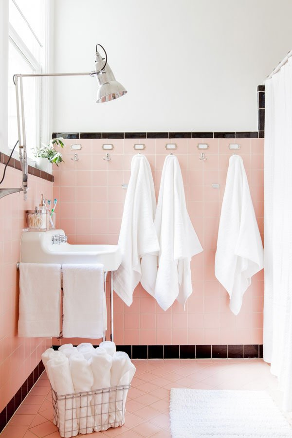 Oh Happy Day pink bathroom makeover on @thouswellblog