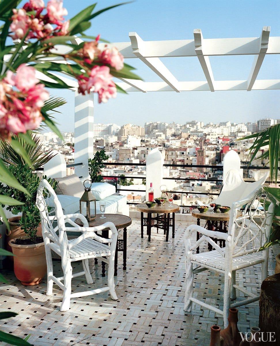 Moroccan roof-top terrace on @thouswellblog