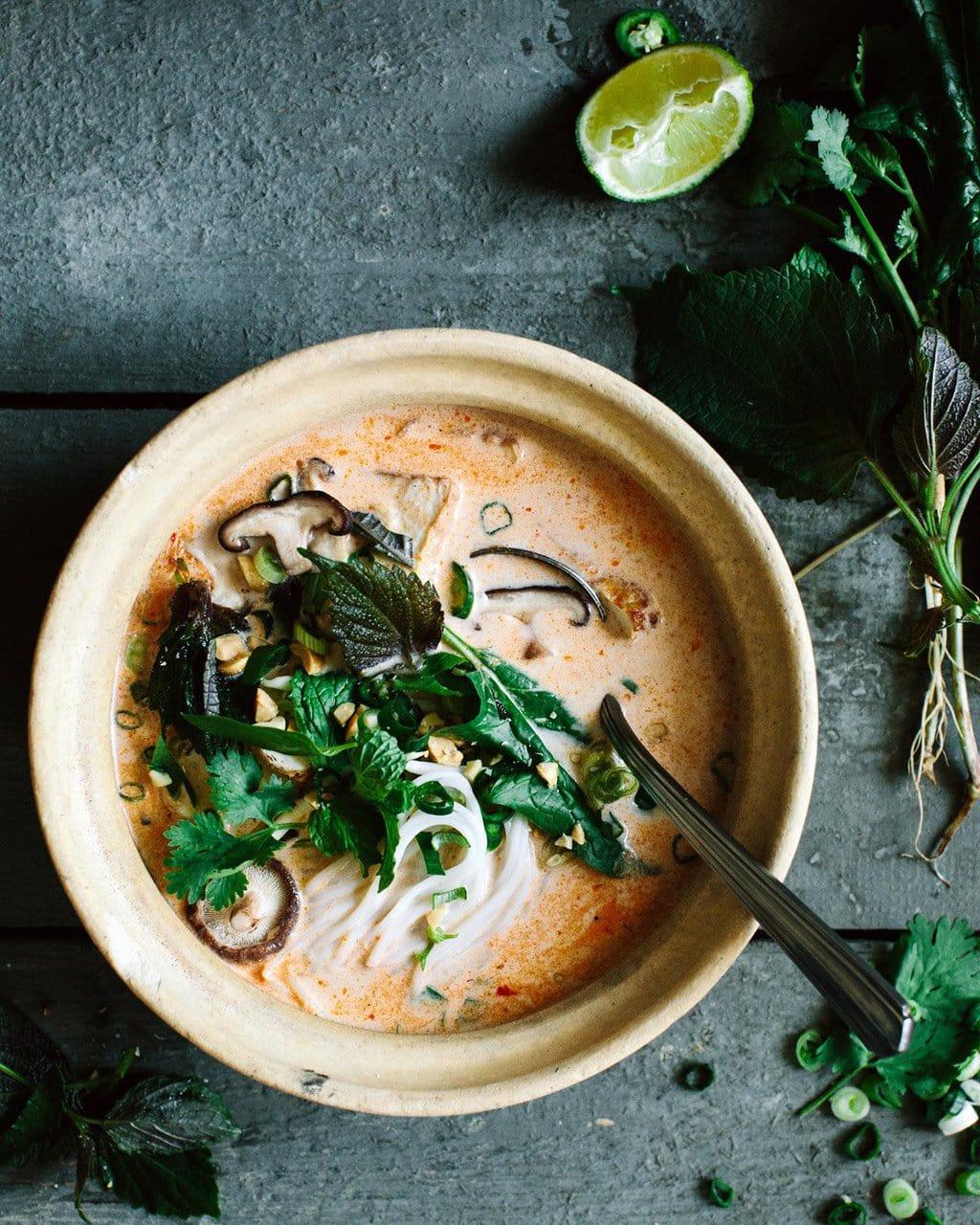 Thai coconut soup on @thouswellblog via Kraut Kopf