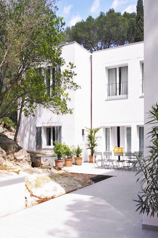 1950's villa in Mallorca on @thouswellblog