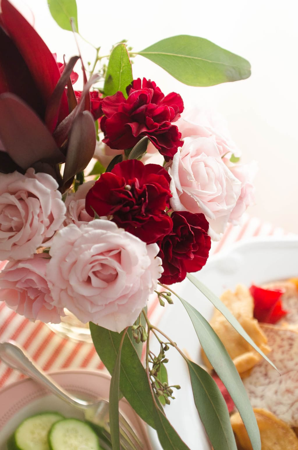 Valentine's Day flower arrangement via @thouswellblog