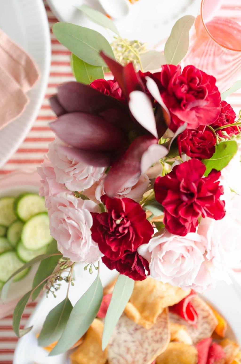 Valentine's Day flower arrangement via @thouswellblog