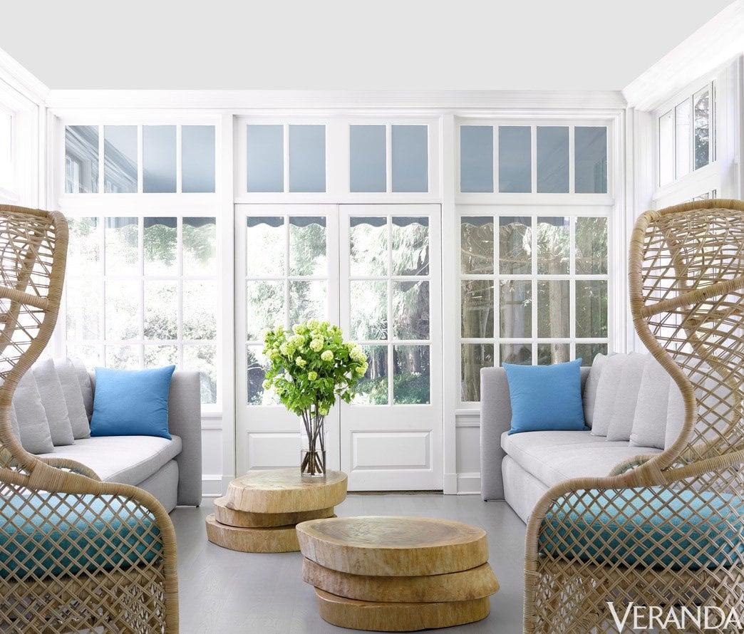 Kay Douglass' sun room in blue and white in Atlanta home via @thouswellblog