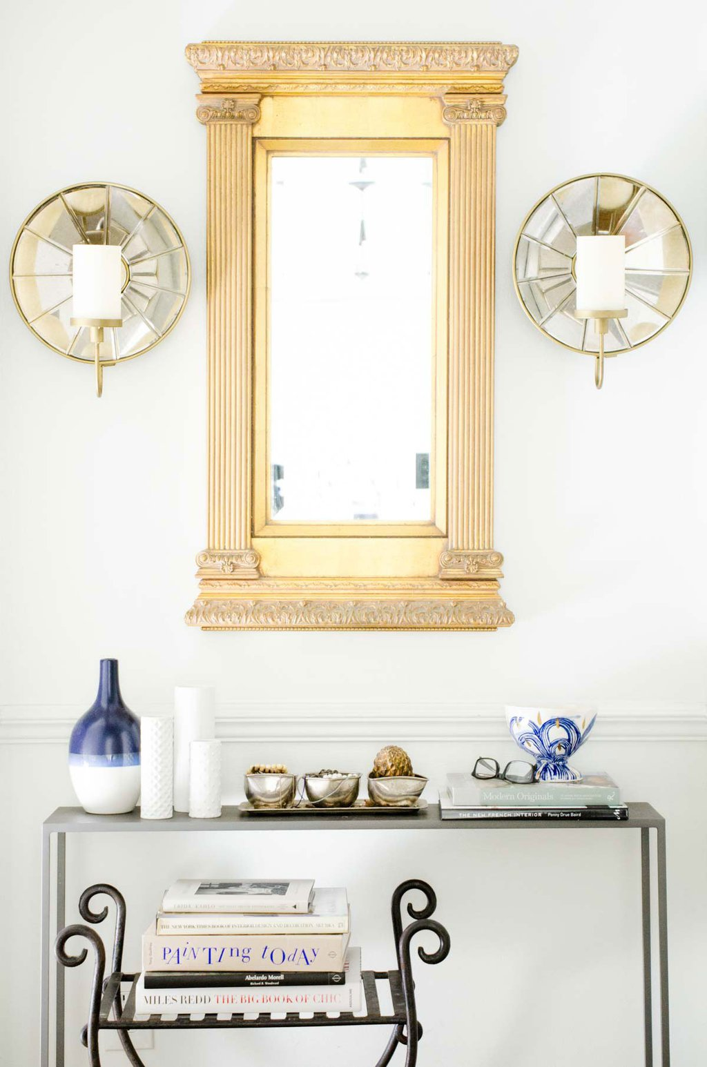 Hallway makeover with gold mirror and console table via @thouswellblog