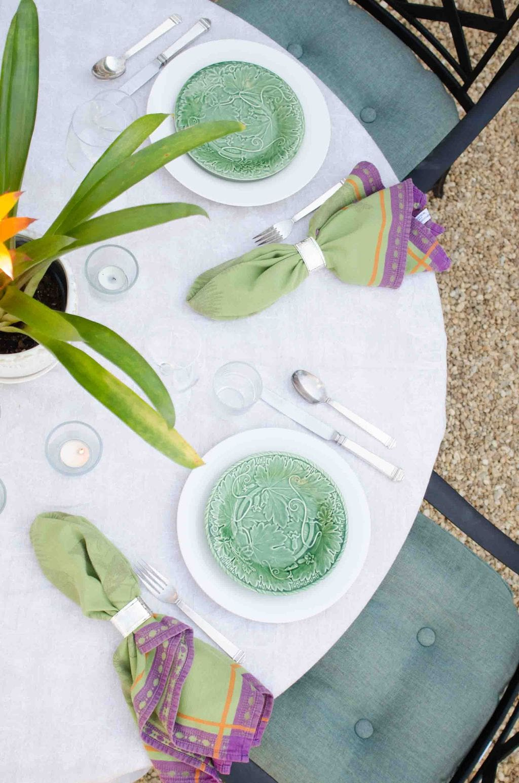 Outdoor dinner party on @thouswellblog