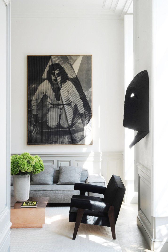 Modern living room with contemporary artwork via @thouswellblog