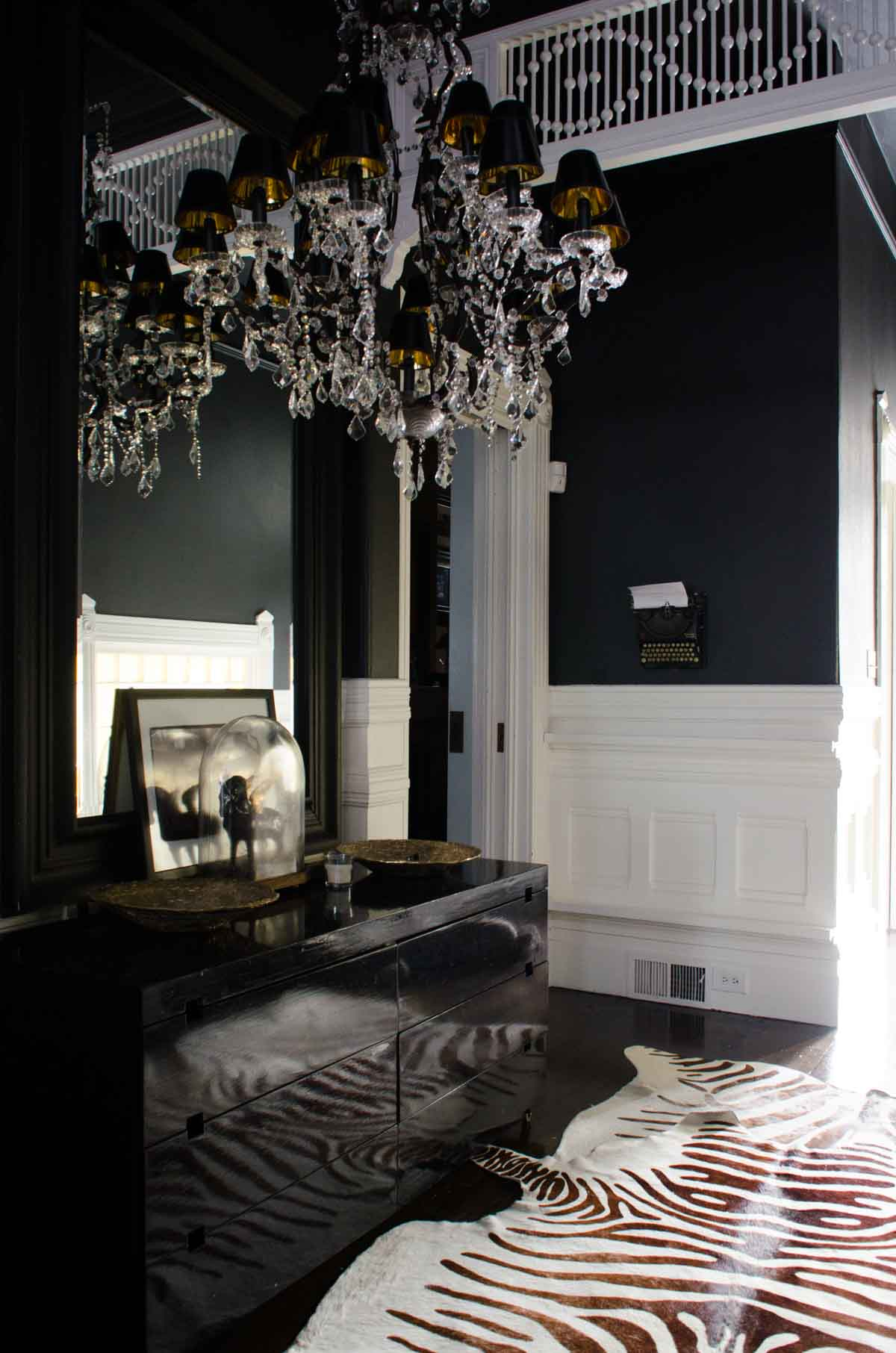 Celia Tejada's dramatic entry hall on @thouswellblog