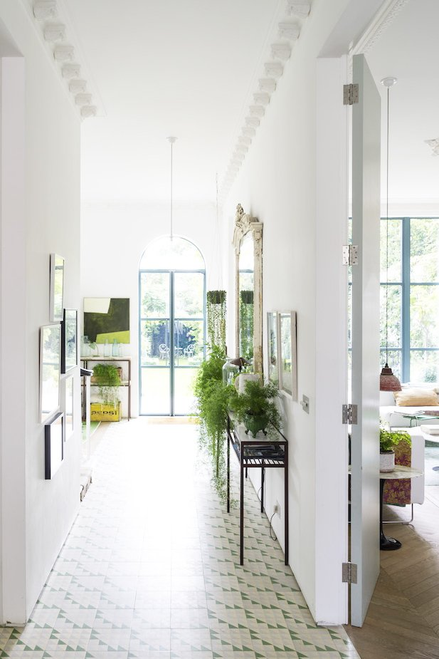 Green and white eclectic entry hall via @thouswellblog