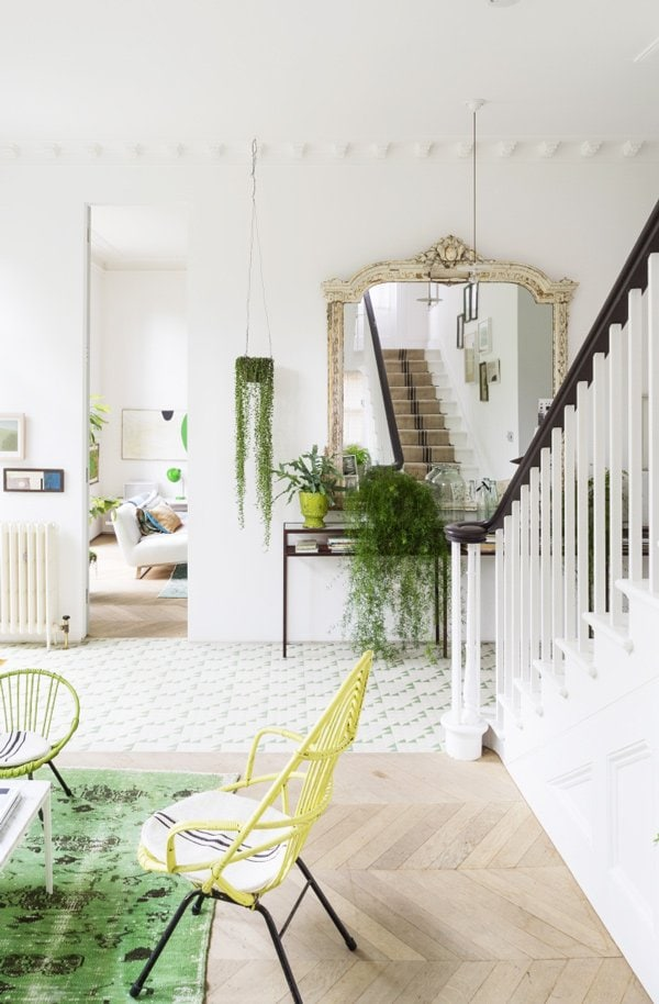 Scandinavian home living room in green and white via @thouswellblog