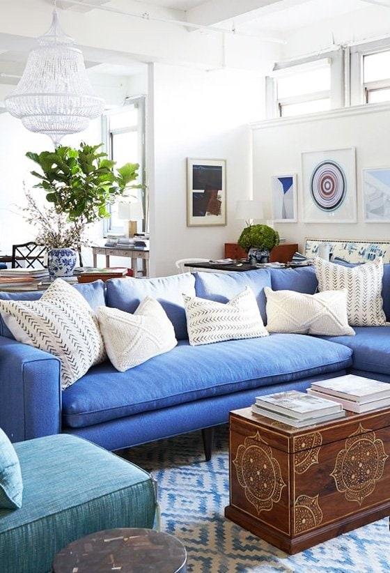 Blue and white living room via One Kings Lane on Thou Swell