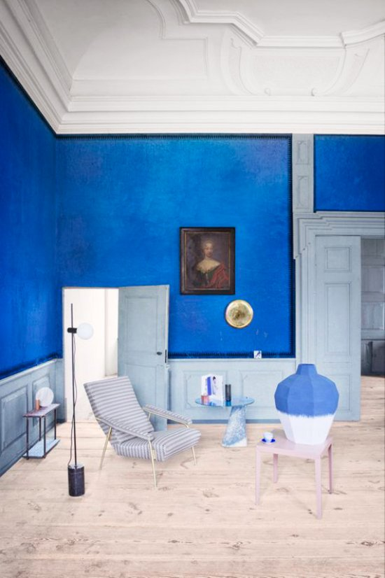 A bold cobalt wall in a blue and white room via @thouswellblog