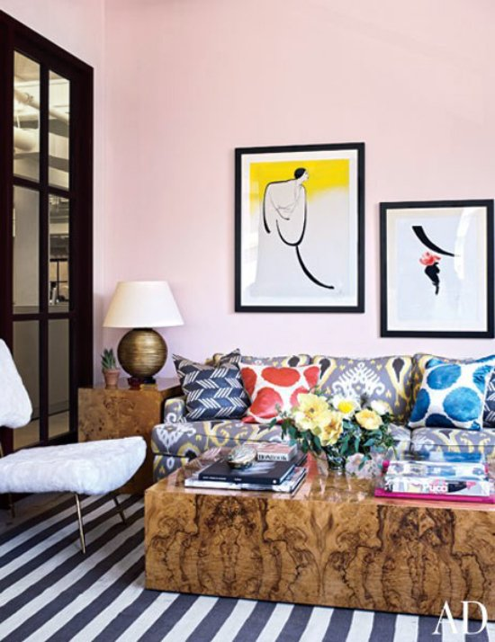 Tips on mixing patterns from Steve McKenzie, Modern pink living room design on @thouswellblog