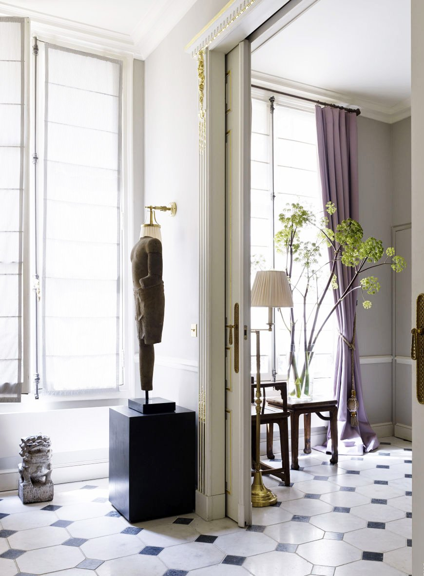 Black and white marble floors in a glamorous Paris flat via @thouswellblog