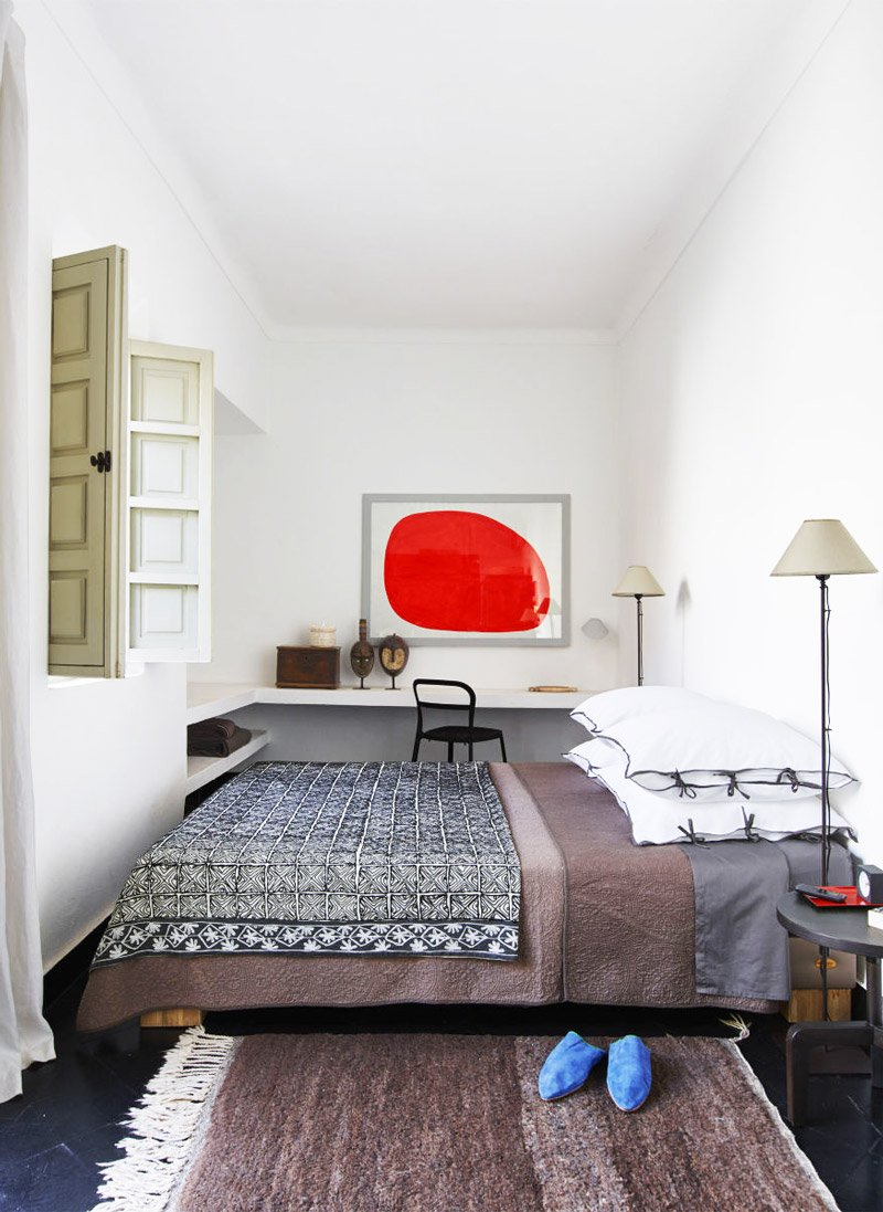 Graphic style in the bedroom of a Moroccan riad via @thouswellblog