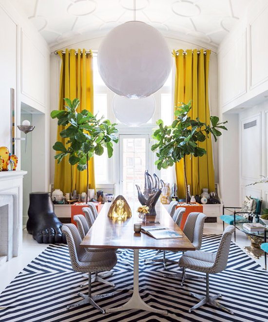 Bold dining room design in Jonathan Adler's NYC apartment via @thouswellblog
