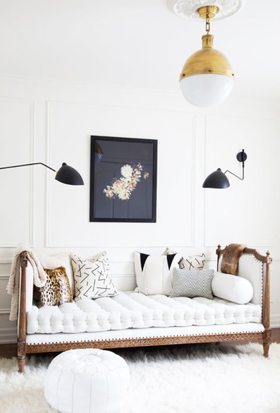 Traditional tufted daybed with modern lighting via @thouswellblog