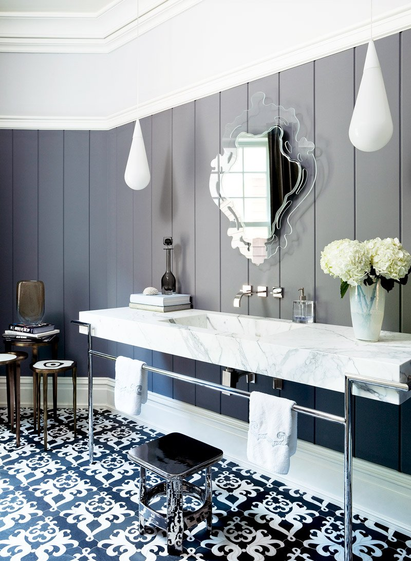 Black and white modern bathroom via @thouswellblog