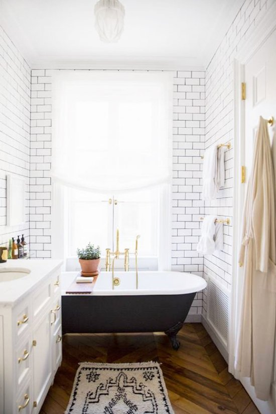 Light modern bathroom with subway tiles via @thouswellblog