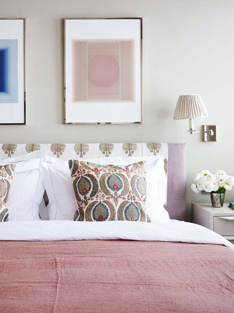 Pink bedspread in a colorful London flat on Thou Swell @thouswellblog