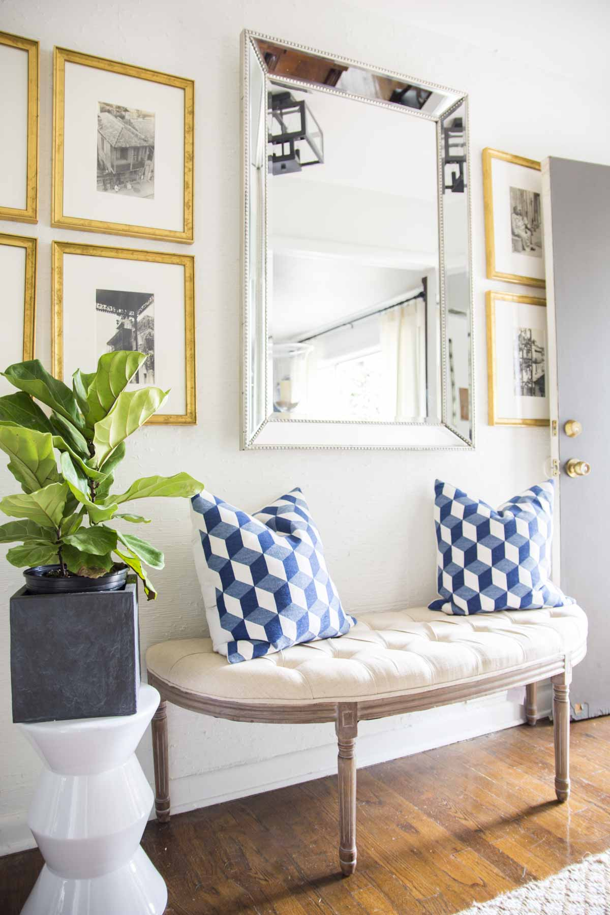 Fresh entryway design with demilune bench and fiddle leaf fig on Thou Swell @thouswellblog