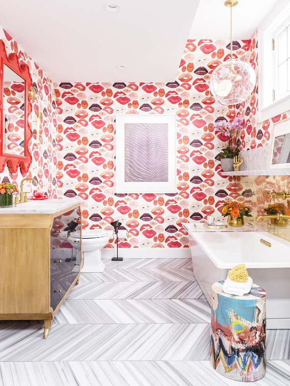 Voutsa lips wallpaper in modern bathroom on Thou Swell @thouswellblog