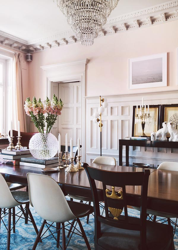 Blush walls in a traditional dining room with modern chairs on Thou Swell @thouswellblog