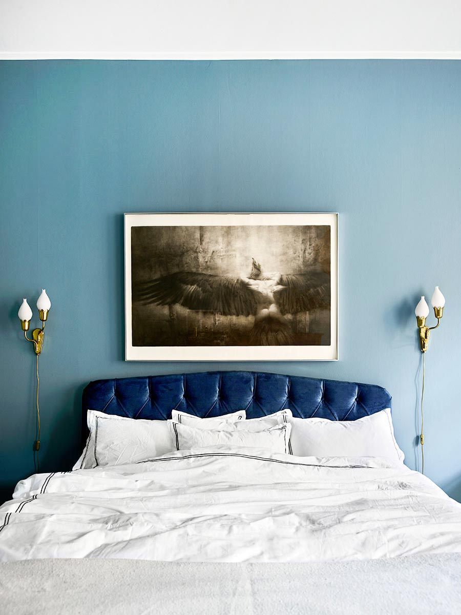 Blue bedroom with tufted velvet headboard One Room Challenge inspiration on Thou Swell @thouswellblog