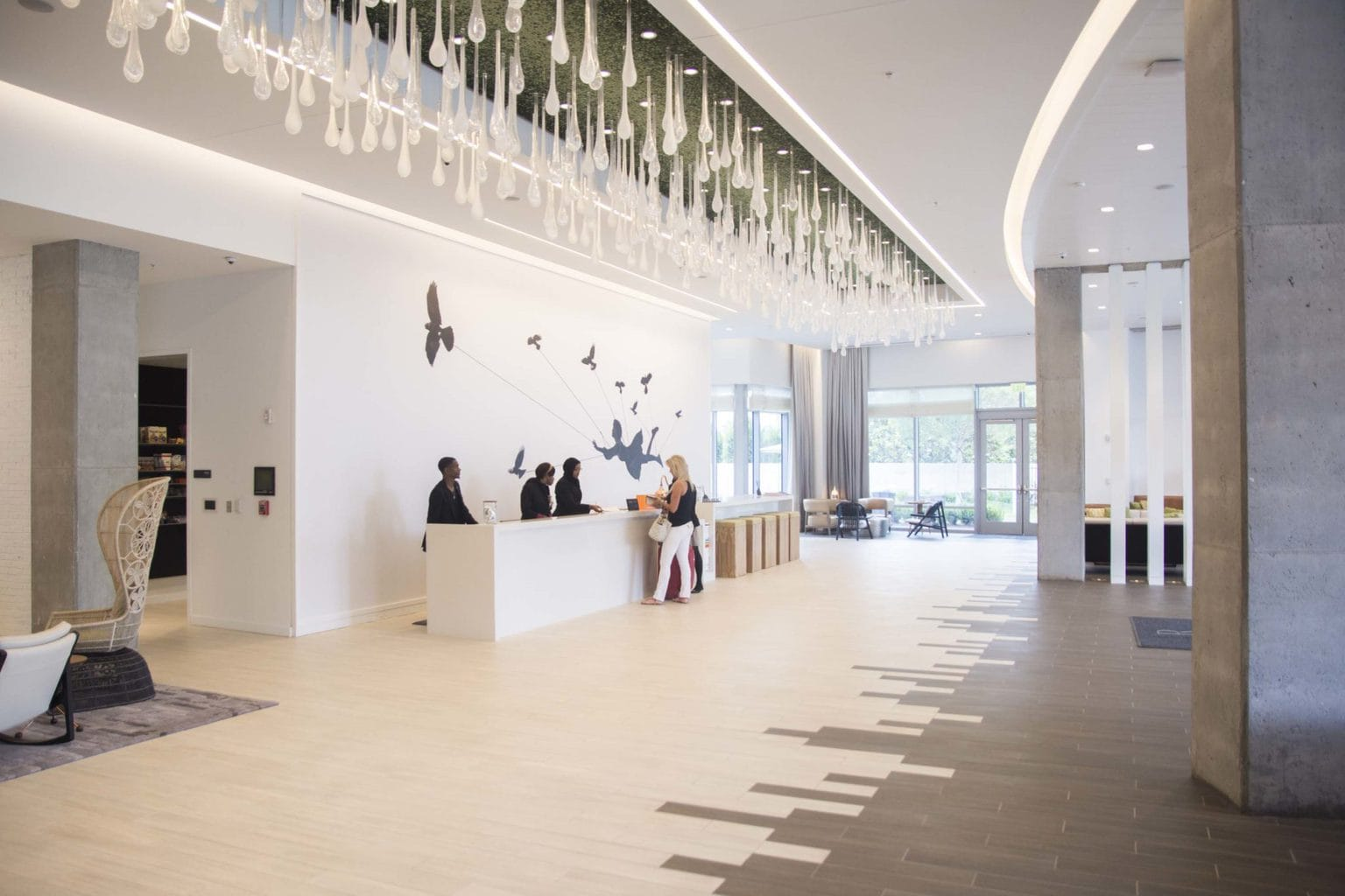 Modern hotel lobby at the Renaissance airport hotel in Atlanta on Thou Swell @thouswellblog