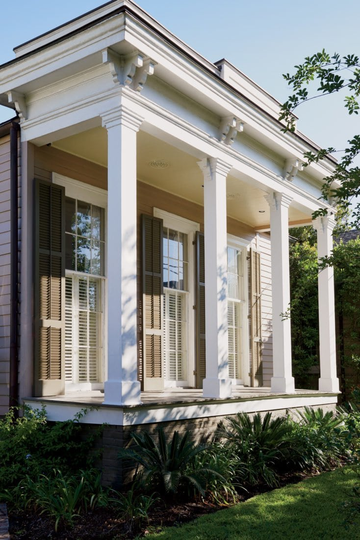 Traditional 1860's New Orleans home with front porch columns and shutters on Thou Swell @thouswellblog