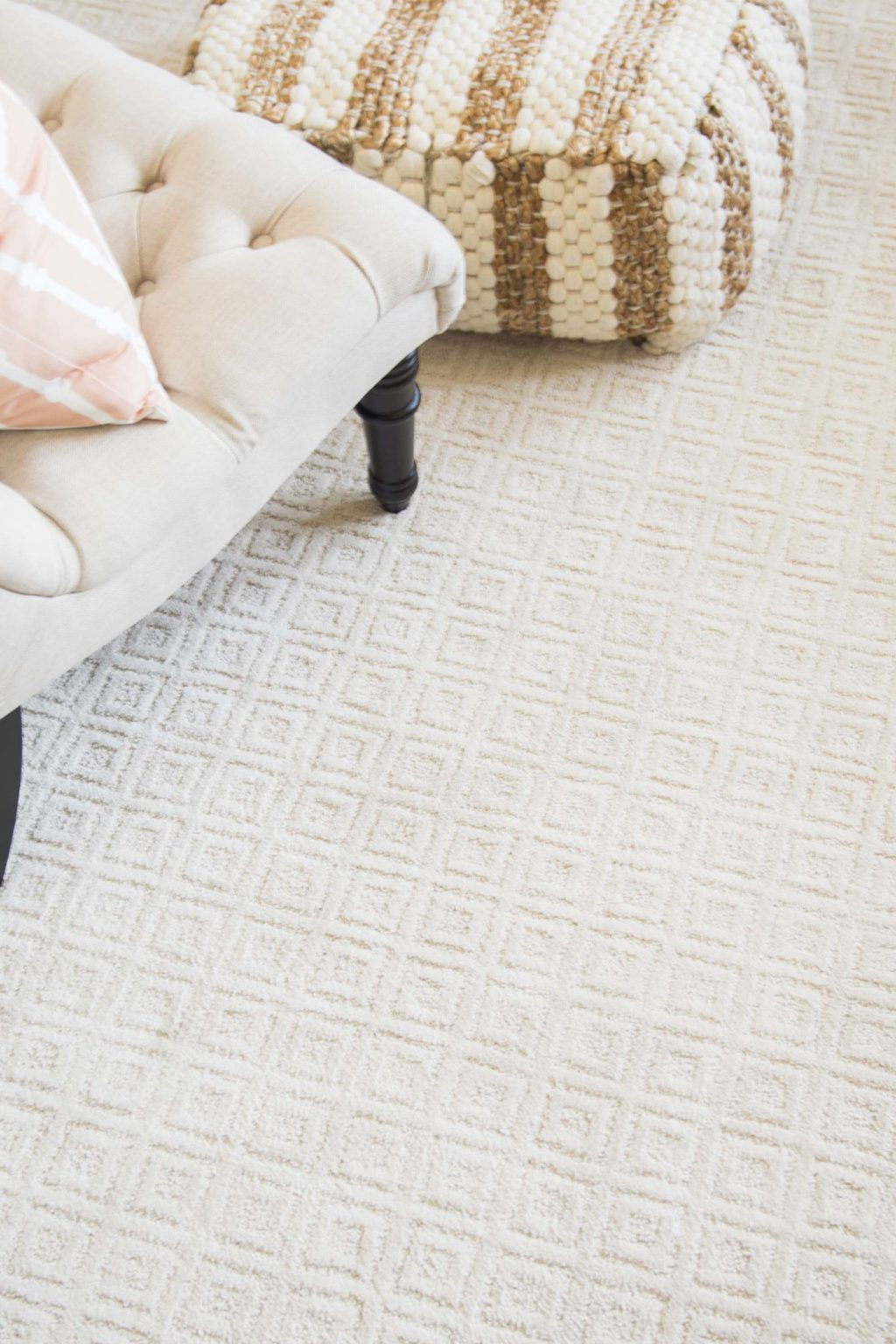 Pale ivory white rug, Mowhawk Home Paragon area rug on Thou Swell @thouswellblog