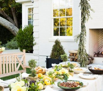 Outdoor dinner party, five sources for online grocery delivery on Thou Swell @thouswellblog