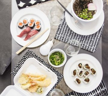 Easy sushi dinner party with Hive smart home ecosystem on Thou Swell @thouswellblog