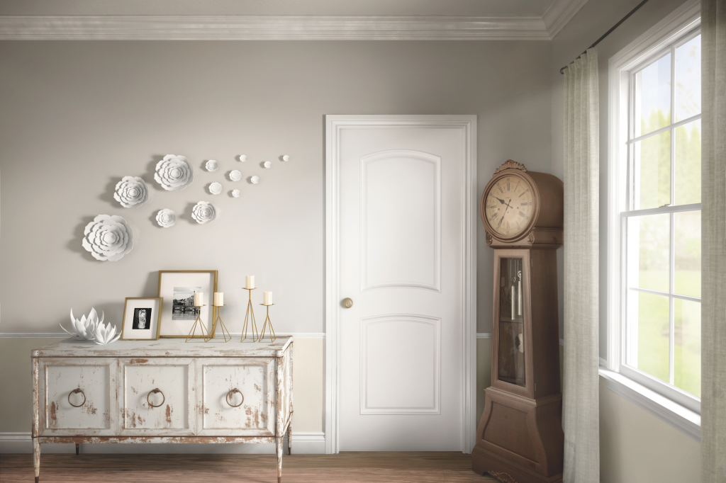 Shabby chic dining room with Metrie Option {M} interior moulding and door collection on Thou Swell @thouswellblog