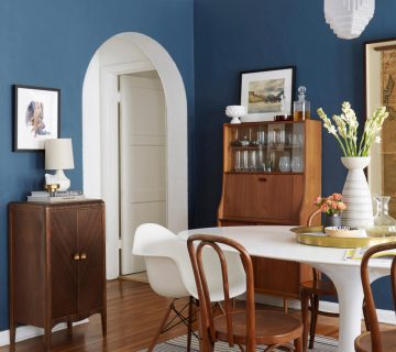 Blue dining room walls on Thou Swell @thouswellblog