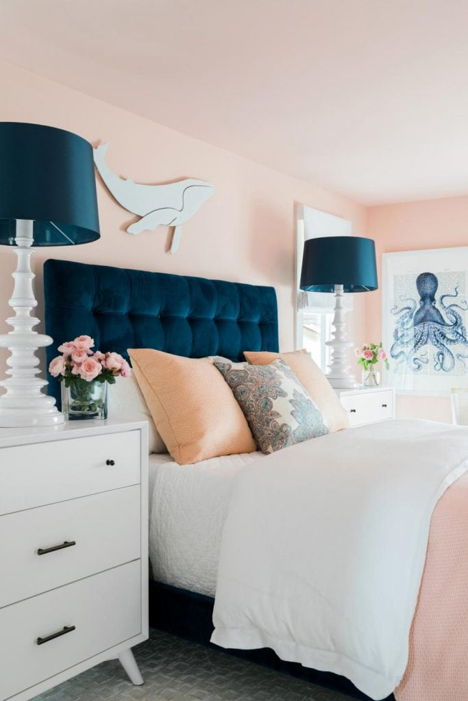 HGTV Dream Home 2018 lake house pink bedroom on Thou Swell @thouswellblog
