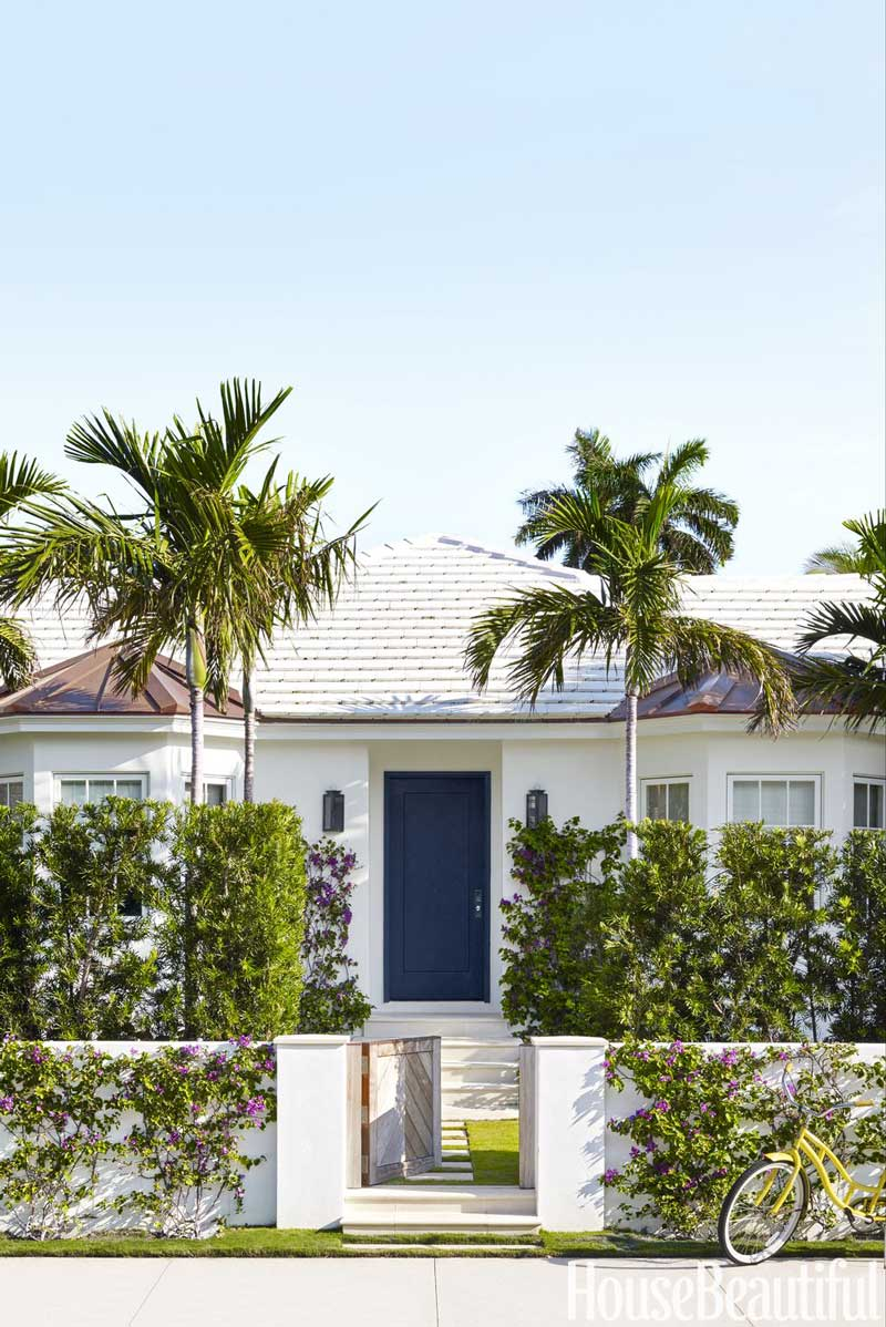 Palm Beach bungalow with tropical style decor on Thou Swell @thouswellblog