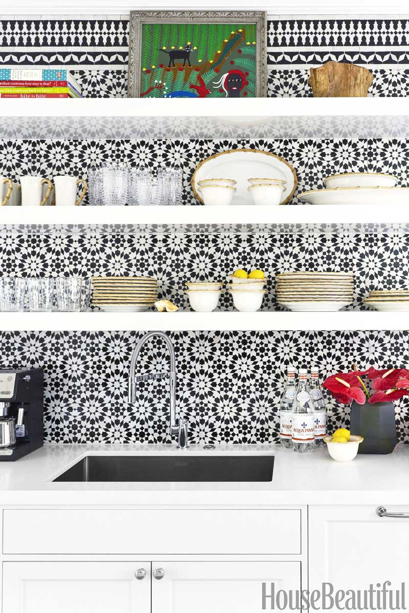 Patterned terracotta tile backsplash in modern Palm Beach style kitchen on Thou Swell @thouswellblog