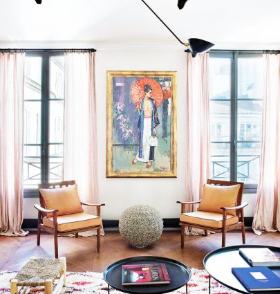 Living room apartment decor with blush curtains in Paris on Thou Swell @thouswellblog