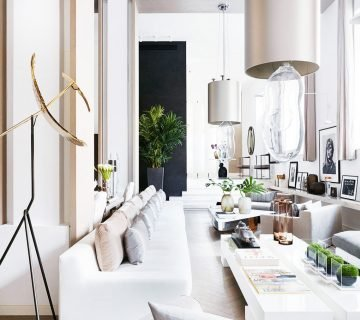Kelly Hoppen's long, white and neutral living room in West London on Thou Swell @thouswellblog