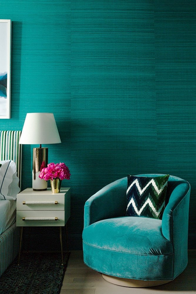 A colorful apartment in Manhattan in 100 Barclay New York City on Thou Swell @thouswellblog