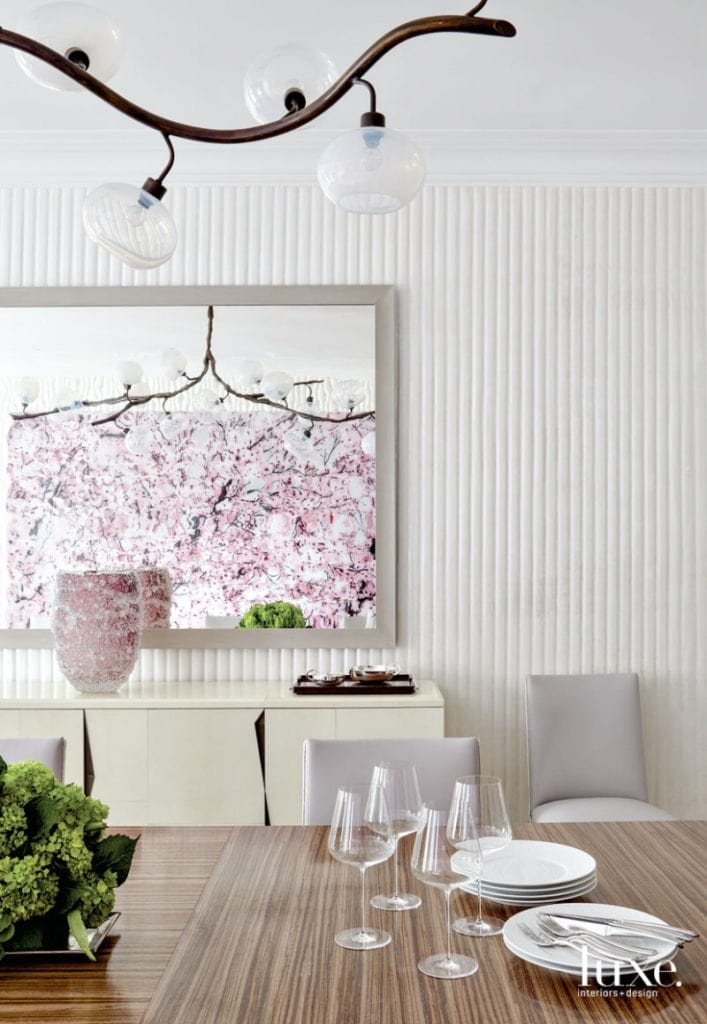 Luxurious contemporary white dining room from Luxe Magazine on Thou Swell @thouswellblog