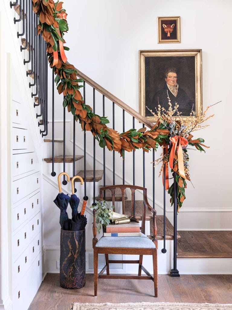 Atlanta Homes & Lifestyles Home for the Holidays showhouse with traditional Christmas decor by Gordon Dunning on Thou Swell @thouswellblog